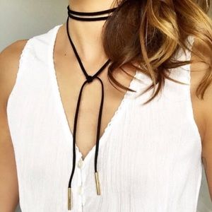 Jewelry - 🎈SALE🎈 Vegan Leather Black & Gold Bolo Neck Tie